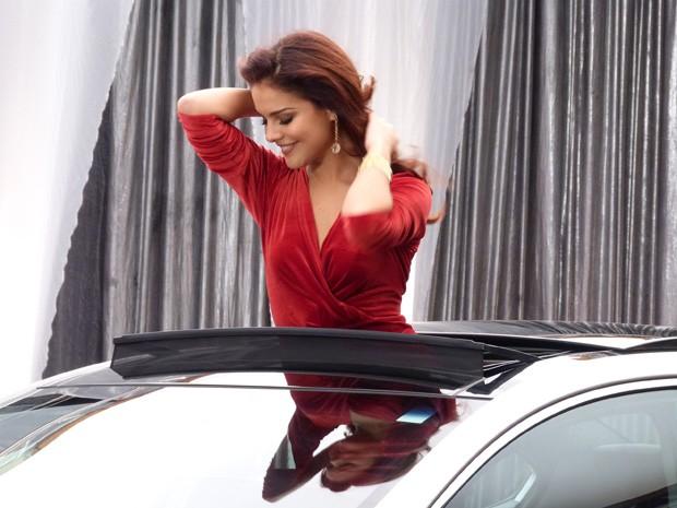Diva! Rosângela arrasa no comercial (Foto: Salve Jorge/TV Globo)