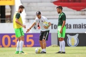 Milton Mendes Santa Cruz (Foto: Marlon Costa / Pernambuco Press)