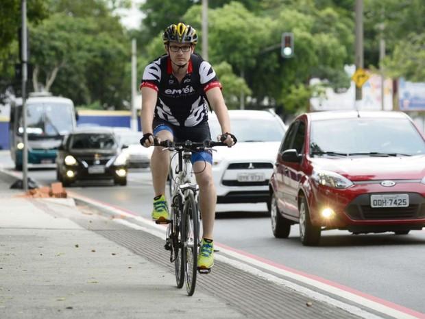 Após acidente, Iran Milanezi disse ter redobrado os cuidados ao pedalar (Foto: Ricardo Medeiros/ A Gazeta )