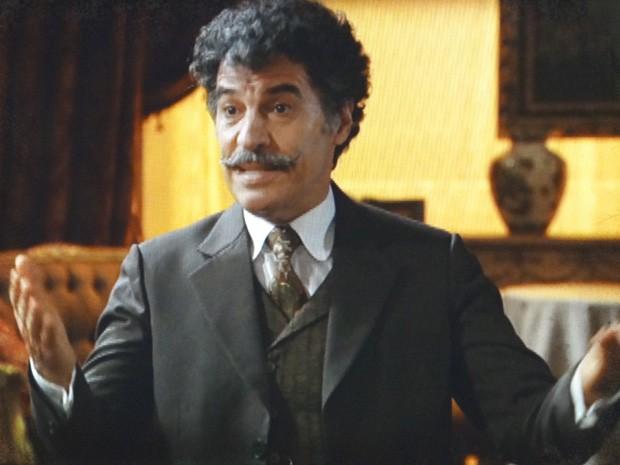 Mario tenta convencer Luciano a ajudá-lo (Foto: Lado a Lado / TV Globo)