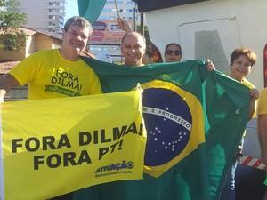 Manifestantes pró-impeachment em Vila Velha (Foto: Juirana Nobres/ G1)