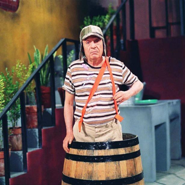 Roberto Gómez Bolaños (1929-2014) — o mexicano conhecido como Chespirito (diminutivo de Shakespeare em espanhol) fez a América Latina rir durante décadas com os personagens Chaves e Chapolin Colorado. O coração de Bolaños parou de bater em Cancún, cidade litorânea do México onde ele residia.  (Foto: Divulgação)