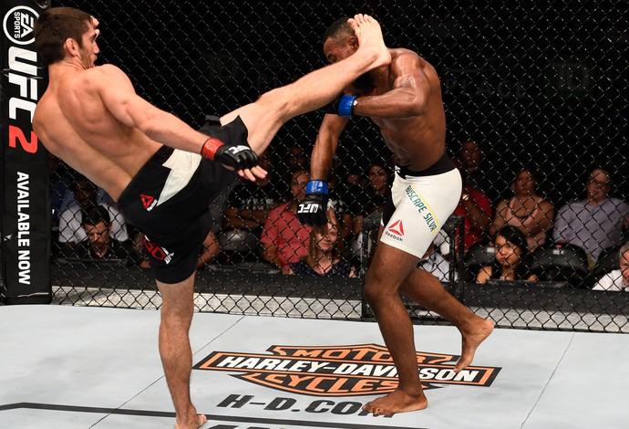 Jason Saggo Leandro Buscapé UFC Ottawa (Foto: Getty Images)