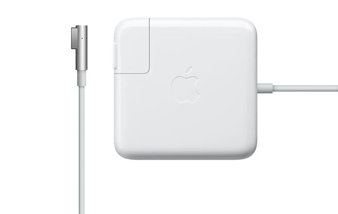 Elogiado pela segurança e pelo design, MagSafe não faz parte dos novos MacBook Pro (Foto: Divulgação/Apple)