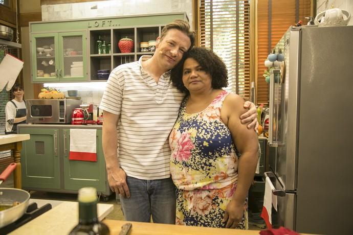 Jamie Oliver conheceu Edilene Marques, uma fã do Distrito Federal (Foto: Raphael Dias/ Gshow)