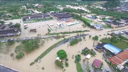 Enchentes deixam 12 mortos no sul da Tailândia e isolam vilas inteiras