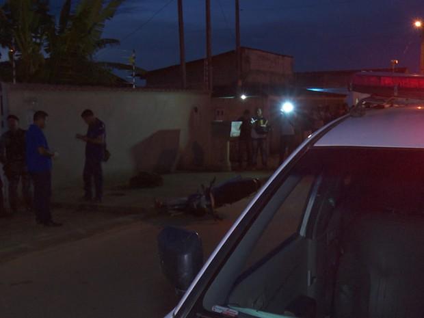 Vítima foi morta com disparos de arma de fogo (Foto: Rede amazônica/Reprodução)