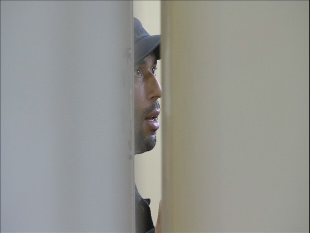 Edinho foi preso nesta terça-feira e aguarda transferência (Foto: Carlos Abelha / G1)