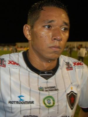Chapinha, meia do Botafogo-PB (Foto: João Brandão Neto / GloboEsporte.com/pb)