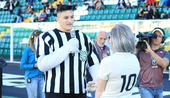 Figueirense pedido de casamento (Foto: Luiz Henrique/Figueirense FC)