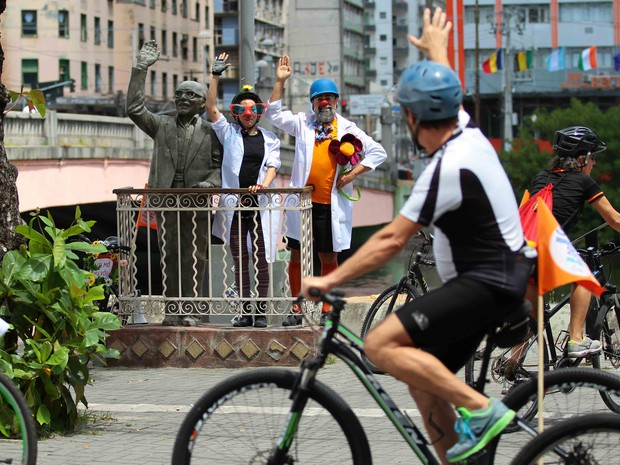 Doutores da Alegria no 3º Bobociclismo no Recife (Foto: Marlon Costa/Pernambuco Press)