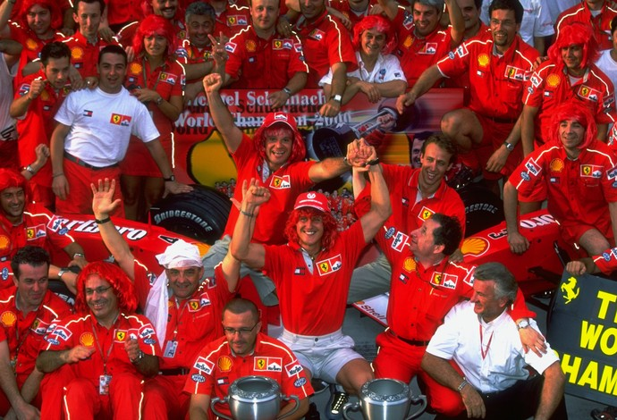 Michael Schumacher campeão mundial F1 2000 (Foto: Mark Thompson/Getty Images)