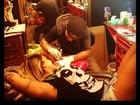 Recém-solteira, Dani Bolina faz novas tatuagens
