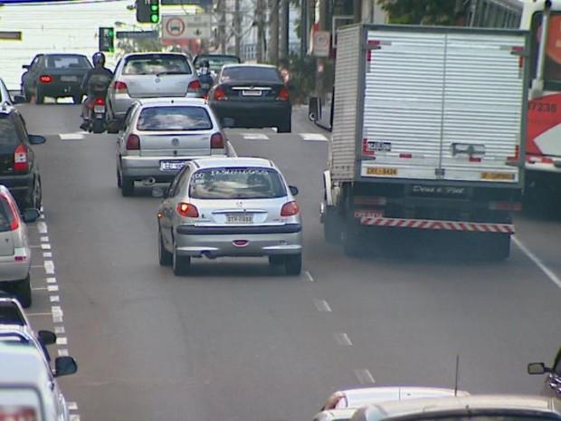 Sistema de escapamento do veículo deve ser revisado a cada seis meses (Foto: Paulo Chiari/EPTV)