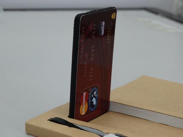 No Enem, para que o gabarito chegasse aos candidatos, era usado um equipamento de telefonia GSM, simulando um cartão de crédito, além do ponto eletrônico (Foto: André Lana/MPMG/Divulgação)