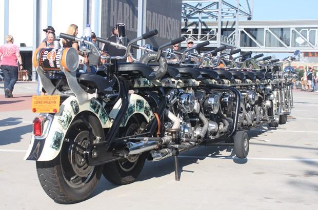 Timeline Motorcycle pode levar 10 pessoas (Foto: Rafael Miotto/G1)