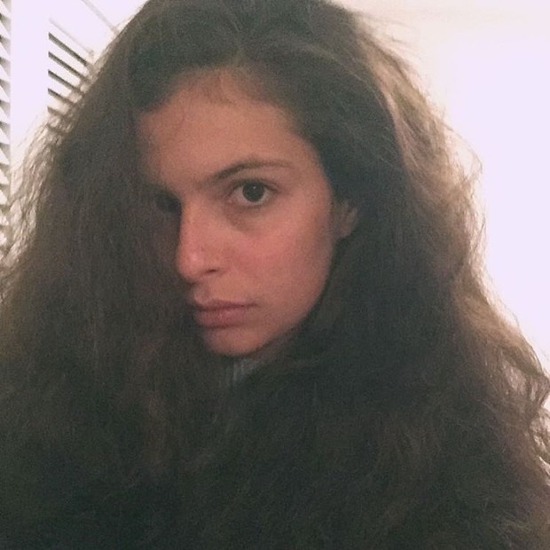 Julia Anquier, filha de Debora Bloch (Foto: Reprodução/Instagram)