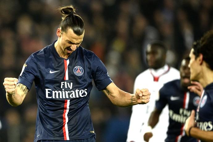 Ibrahimovic comemora gol do PSG contra o Nice (Foto: Agência AFP )