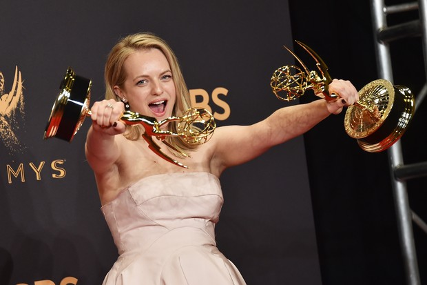 Elizabeth Moss, de Handmaid's Tale, grande vencedora do Emmy 2017 (Foto: getty images)