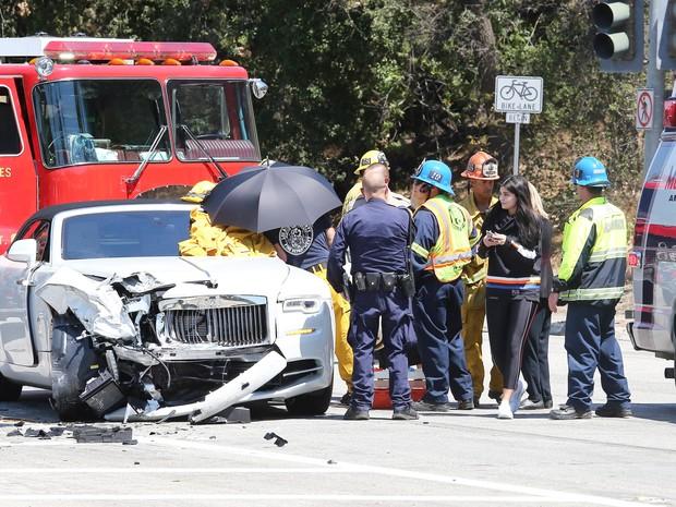 Kylie Jenner chega ao local do acidente envolvendo a mãe, Kris Jenner, na Califórnia, nos Estados Unidos (Foto: Grosby Group/ Agência)