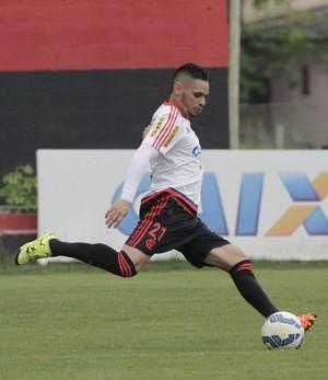 Pará voltou a treinar com o grupo nesta segunda-feira (Foto: Gilvan de Souza / Flamengo)