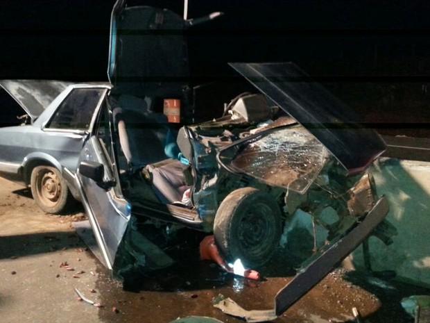 Carro Del Rey ficou destruído (Foto: PRF SC/Divulgação)