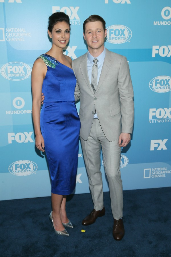 Ben McKenzie e Morena Baccarin foram apresentados nos sets 'Gotham' (Foto: Getty Images)