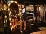 Bruna Marquezine coloca as pernas de fora em evento de moda