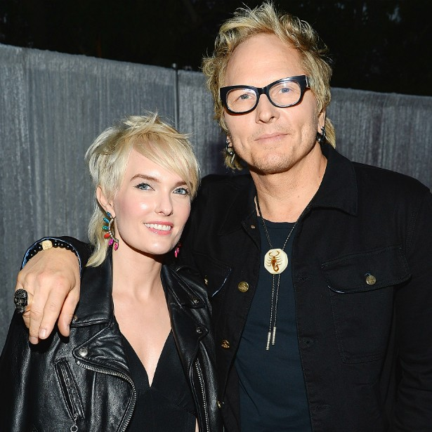 Namorados de longa data, Ace Harper e o baterista Matt Sorum (ex-Guns N' Roses) se casaram em outubro de 2013. (Foto: Getty Images)
