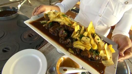 Aprenda a receita de costelinha ao molho de barbecue e jabuticaba