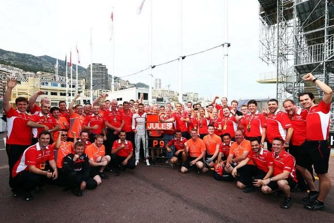 Marussia comemora muito seus primeiros pontos, conquistados por Jules Bianchi (Foto: Divulgação)