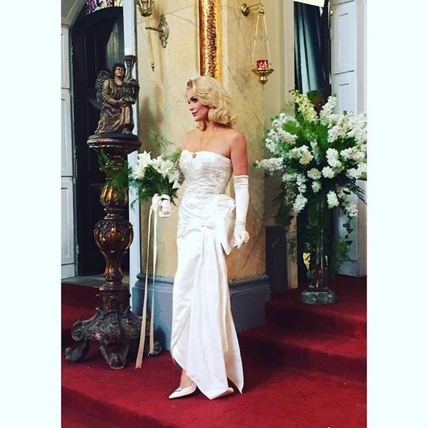 Flávia Alessandra como Sandra (Foto: Reprodução / Instagram)