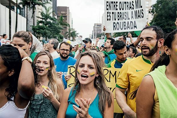SEGUNDO CAPÍTULO Protestos em São Paulo em  15 de março.  O sentimento antipetista uniu os manifestantes (Foto:  Filipe Redondo/ÉPOCA)