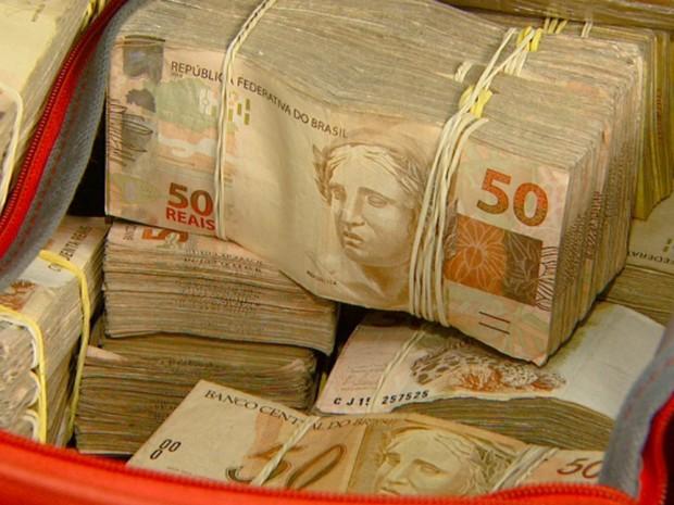 Baep apreende cerca de R$ 1 milhão com quadrilha de tráfico de drogas em Campinas (Foto: Reprodução/EPTV)