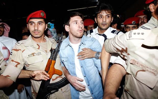 Messi no desembarque da Argentina na Arabia Saudita (Foto: Reuters)