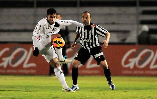 Léo Santos x Ponte Preta (Foto: Rodrigo Villalba)