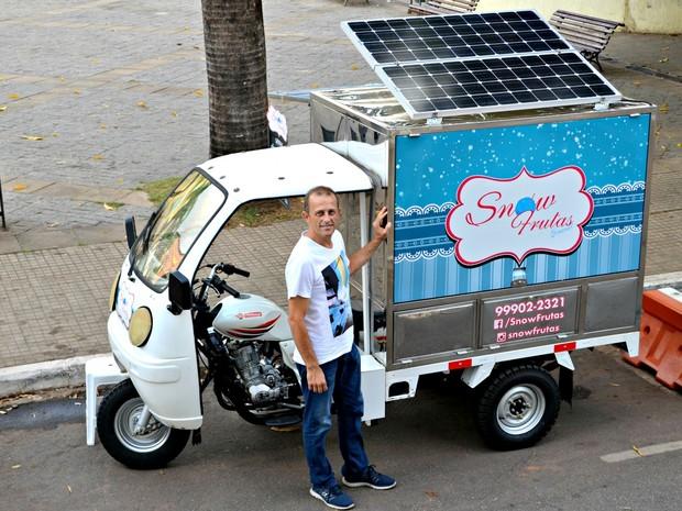 Empresário disse que investiu R$ 50 mil em veículo e pretende expandir negócio (Foto: Quésia Melo/G1)