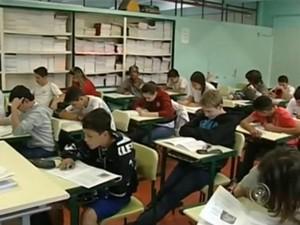 Alunos passam pela avaliação da Secretaria Estadual da Educação (Foto: Reprodução/TV TEM)