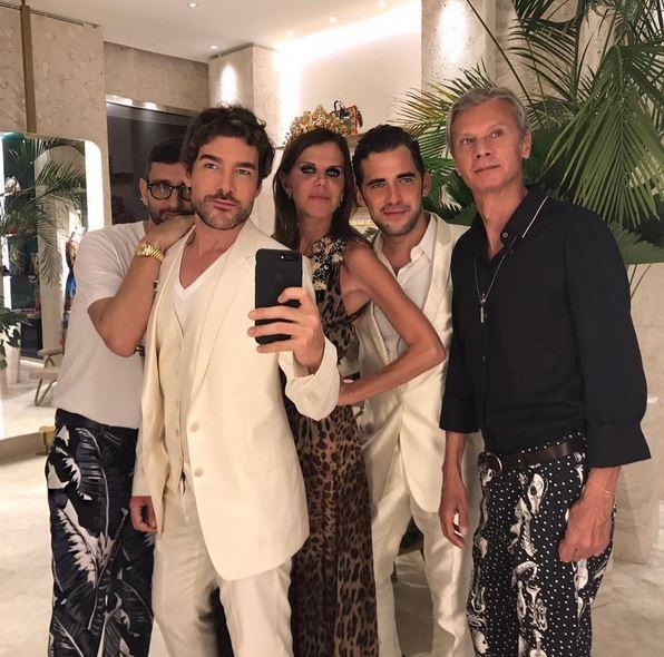 Anna Dello Russo posa com Simone Marchetti, Luca Maria Morelli, Alessandro Morelli e Angelo Gioia  (Foto: Reprodução)