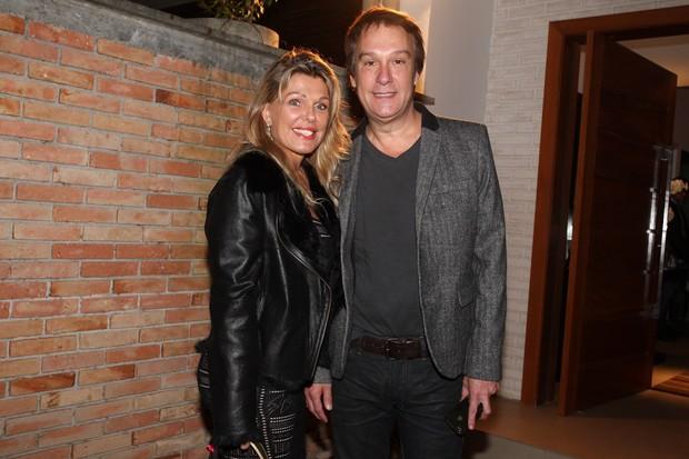 Emílio Surita com a mulher (Foto: Manuela Scarpa/Foto Rio News)