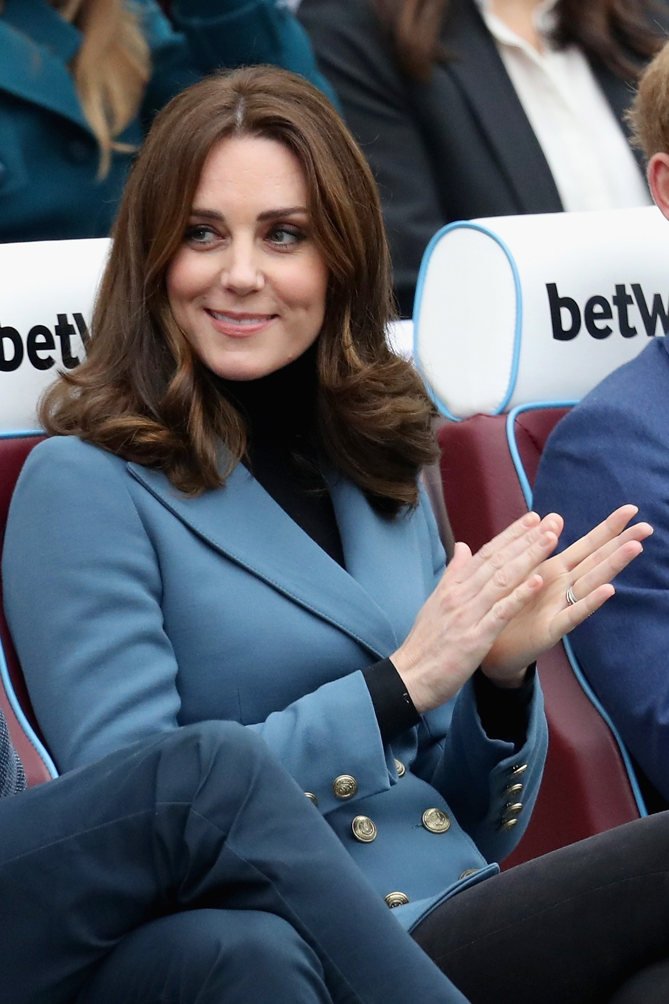 LONDON, ENGLAND - OCTOBER 18:  Catherine, Duchess of Cambridge attends the Coach Core graduation ceremony for more than 150 Coach Core apprentices at The London Stadium on October 18, 2017 in London, England.  (Photo by Chris Jackson/Getty Images) (Foto: Getty Images)