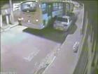 Ônibus trafega na contramão em alta velocidade em rua do Itaim Paulista