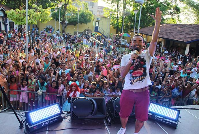 Oyama Filho comanda o evento (Foto: Katiúscia Monteiro/ Rede Amazônica)