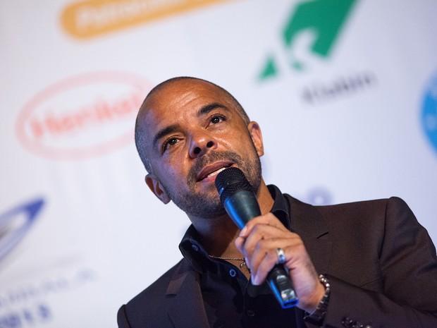Jonathan Mildenhall durante palestra no 15º Congresso Brasileiro de Embalagem (Foto: Anderson Timóteo/ABRE)