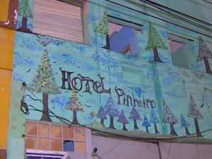 Hotel era utilizado como ponto de venda de drogas em Porto Alegre (Foto: Reprodução/RBS TV)