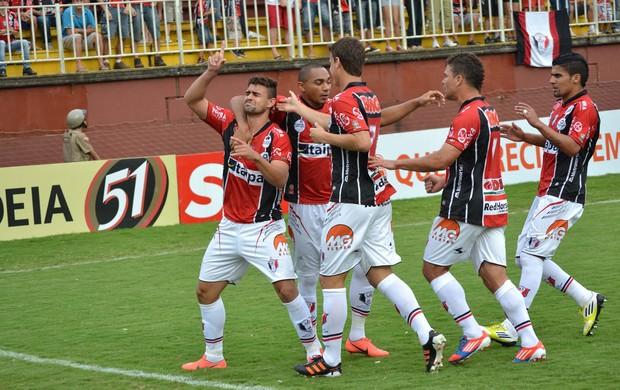 Mauricio gol Joinville x CRB (Foto: Leandro Ferreira / Futura Press)