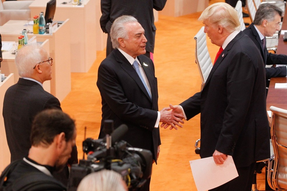 Temer cumprimenta presidente dos Estados Unidos, Donald Trump, durante encontro no G20 (Foto: Reprodução/Twitter)