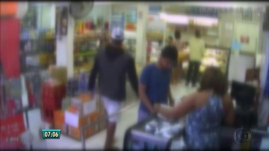 Câmeras registram assalto a padaria no Grande Recife