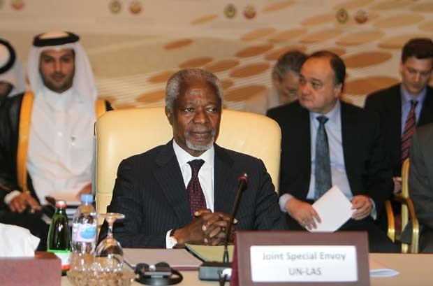 Kofi Annan durante reunião com membros da Liga Árabe. (Foto: Karim Jaafar/AFP)
