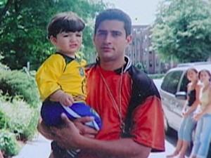 Pai e filho nos Estados Unidos. (Foto: Arquivo familiar)